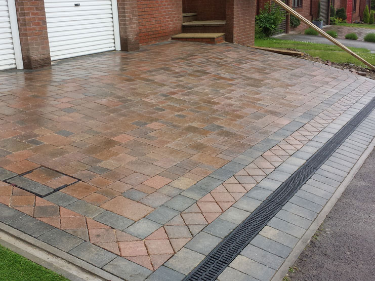 Timeless Traditional Small Driveway Design Marshalls - Driveway design