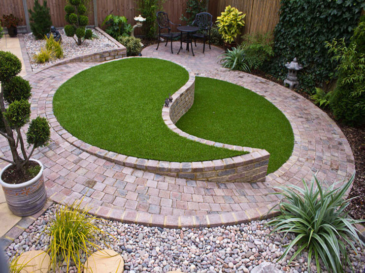 Contemporary Small Patio Design with Ying and Yang Feature | Marshalls