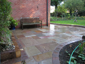 Fairstone Riven by Acorn Landscapes