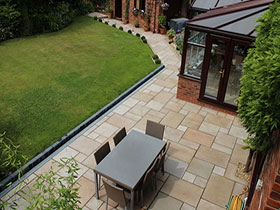 Fairstone Sawn by Beesleys Landscapes