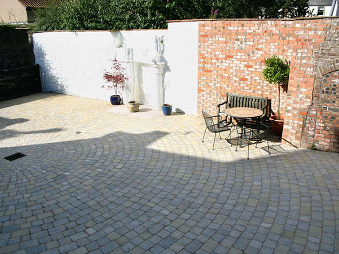 Drivesett Tegula Original & Drivesett Circle by Borderways