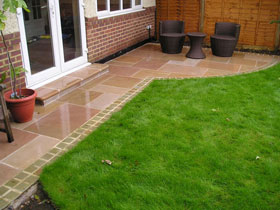 Fairstone Sawn Paving &  Steps by Brodie & Hickin Lndscps
