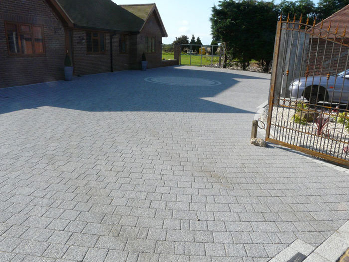 Drivesett Argent & Circle by Capel Groundworks