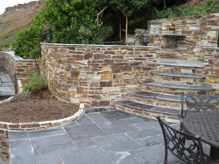 Fairstone slate natural garden paving for Small garden paving designs
