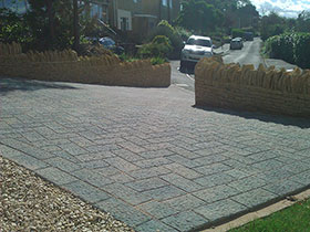 Driveline Elise by Cotswold Paving & Landscaping
