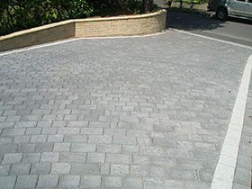 Drivesett Argent  by Cotswold Paving & Landscaping