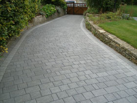 Drivesett Argent & Circle by Cotswold Paving