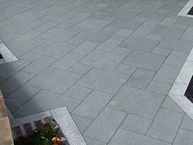 Argent Smooth Paving & Eclipse Granite by Crystalclear