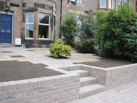 Drivesett Tegula Original & Walling by Direct Gardens