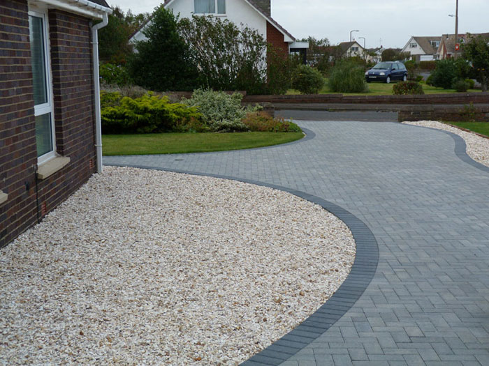 Installers in ayr ayrshire marshalls for Garden driveways designs
