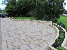 Fairstone Sawn & Marshalite Rustic by Driveway Design