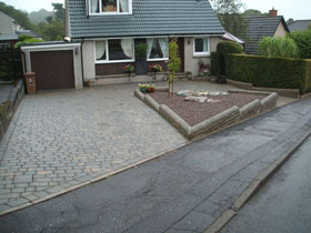 Coach House & Drivesett Tegula Original by Forth Paving