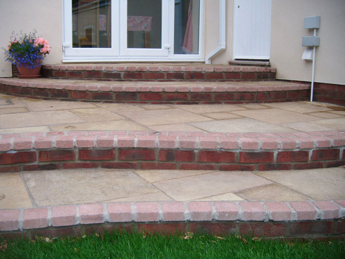 Firedstone Paving by Garden First