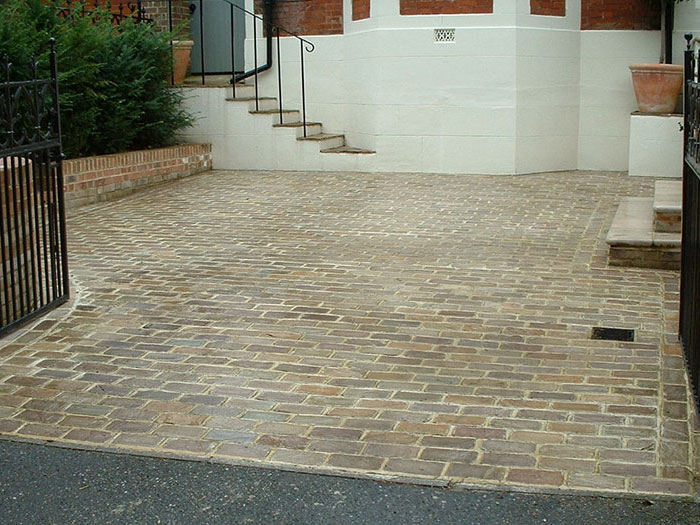 Fairstone Setts by Isle Landscapers