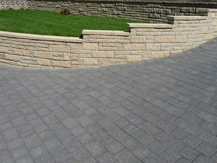 Drivesett Argent & Marshalite Pitched by Menai Paving