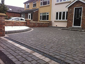 Drivesys Original Cobble by Moss Landscaping