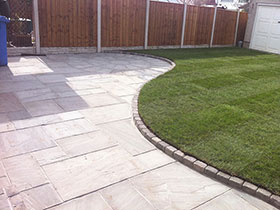 Fairstone Riven by Moss Landscaping