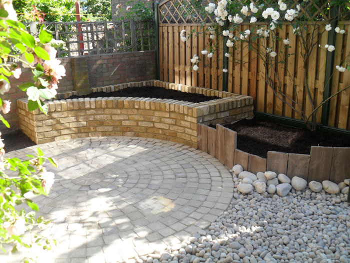 Drivesett Circle by Oakley Landscapes Ltd