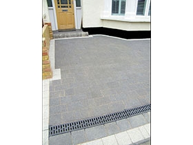 Drivesett Argent by Paramount Paving