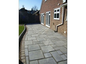 Firedstone Paving & Drivesett Kerb by Paramount