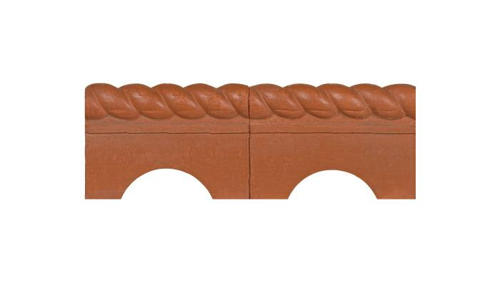 Antique Rope Top Garden Edging in Terracotta