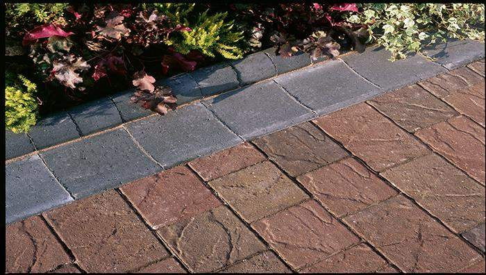 Driveline Block Paving Channel in Charcoal