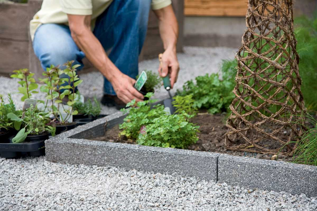 Argent Textured Coping Stones | Marshalls.co.uk