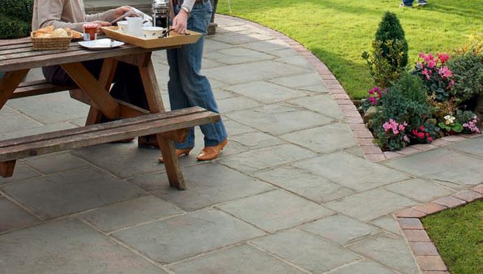 Coach House Garden Paving - Heathland