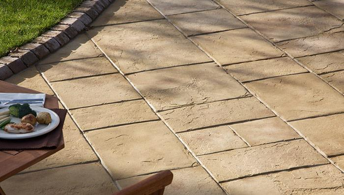 Coach House Garden Paving - Cotswold