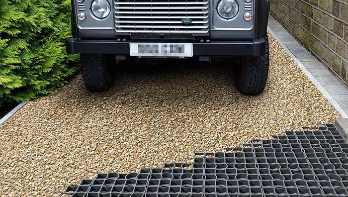 Drivesett Tegula Traditional with overspill parking area of Drivegrid