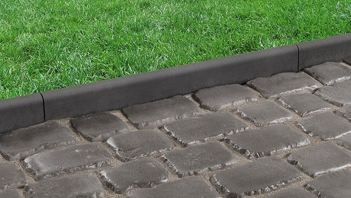 Drivesys Roundtop Edging, Basalt with Drivesys Original Cobble, Iron Grey
