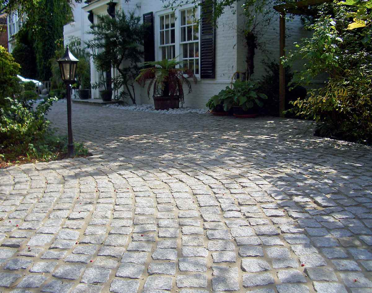 Fairstone cropped granite setts for Carrelage brive