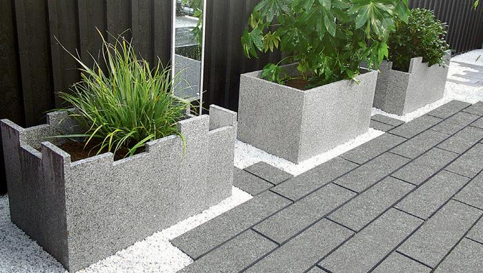 Fairstone Eclipse Granite, Dark paving with Light planks into planters