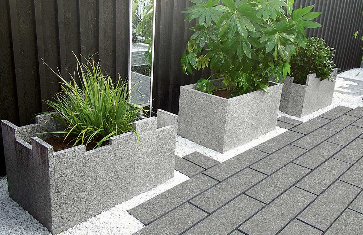 fairstone-eclipse-granite-garden-paving_5_hz.jpg
