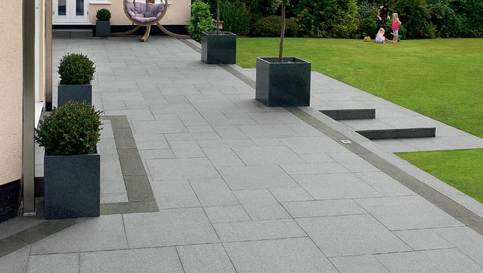 Fairstone natural eclipse granite garden paving for Garden paving designs