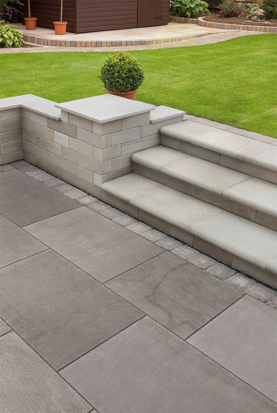 Fairstone flamed narias garden paving for Garden paving designs