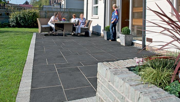 Fairstone limestone aluri riven garden paving marshalls for Paved garden designs