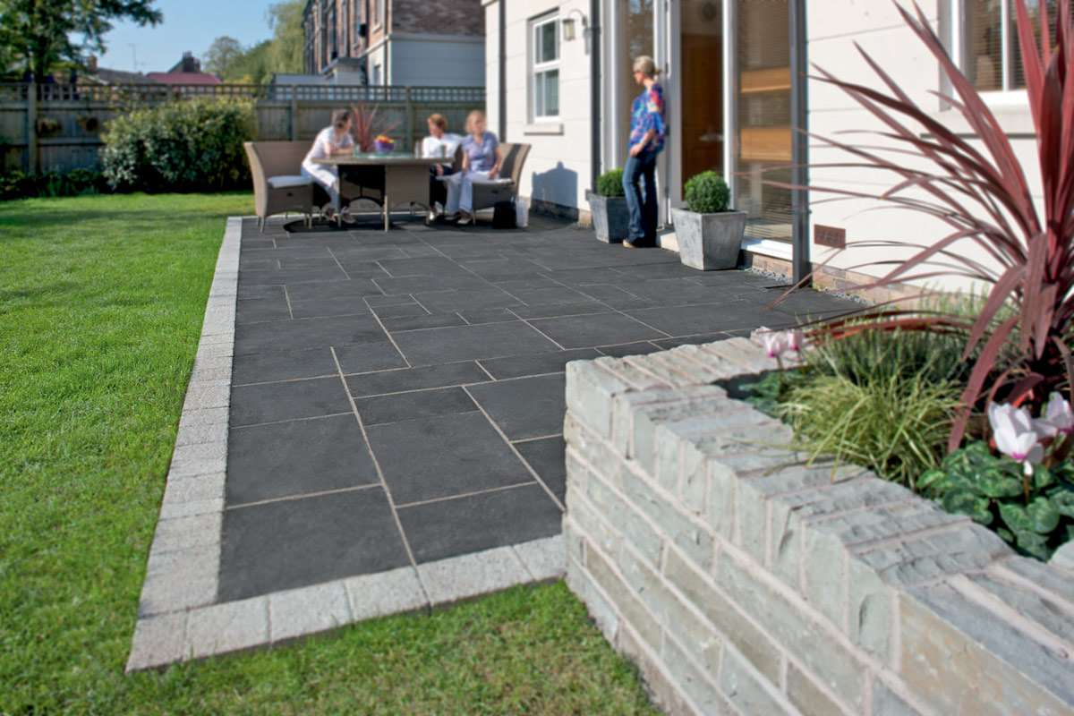Fairstone limestone aluri riven garden paving marshalls for Garden paving designs