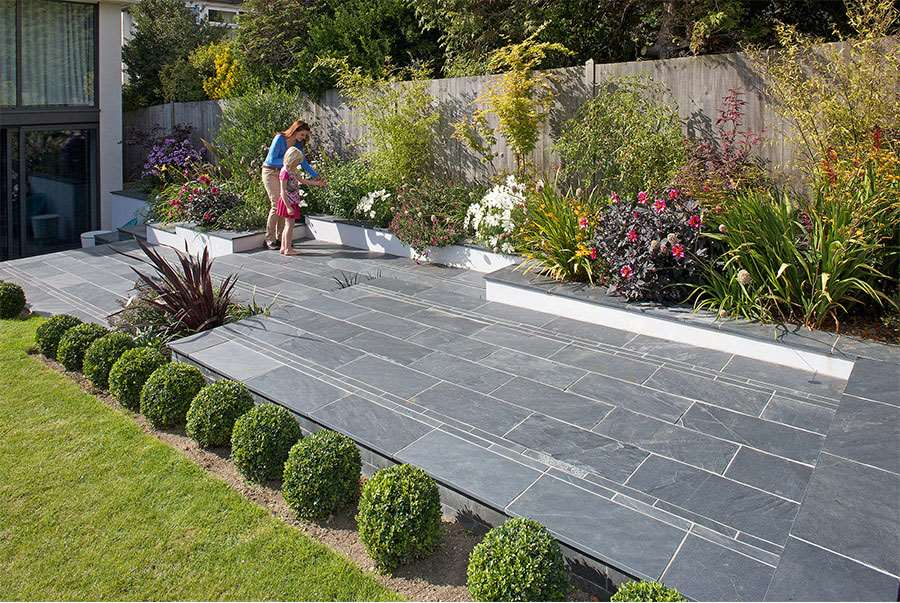 Fairstone slate natural garden paving for Paving stone garden designs
