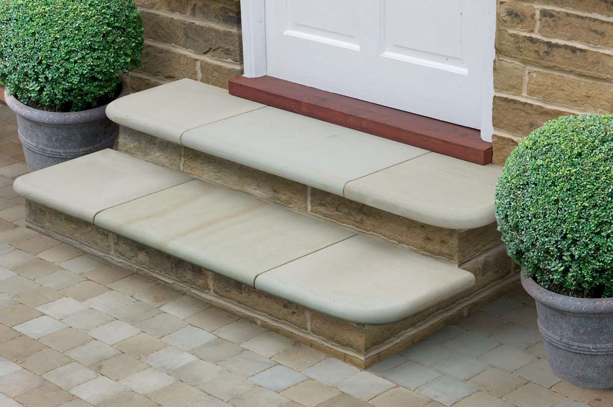 Fairstone Sawn Versuro Garden Steps Marshalls Co Uk
