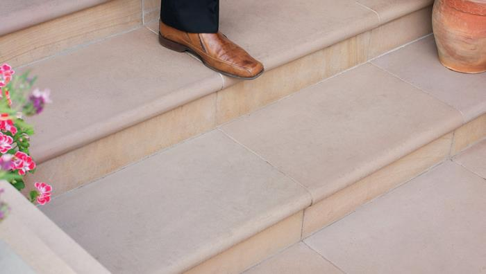 Fairstone Sawn Sandstone Steps - Golden Sand Multi