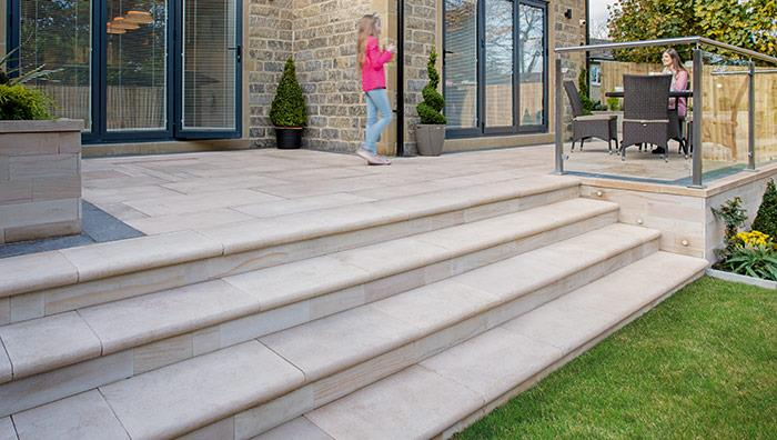 Sawn Versuro Steps and King Size Sawn Versuro Paving, Golden Sand Multi
