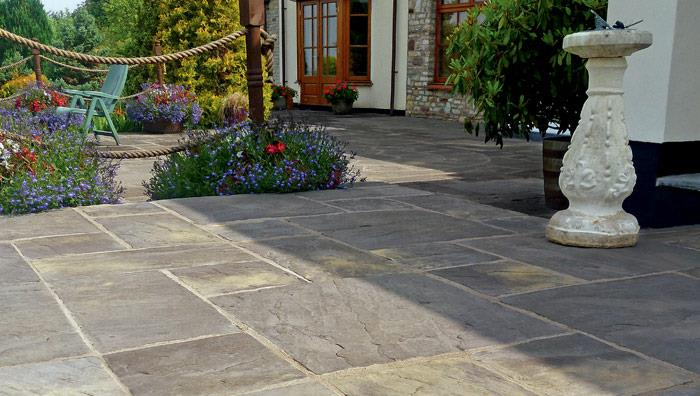 Heritage Riven Garden Paving - Old Yorkstone