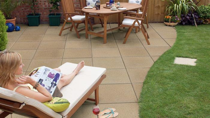 Perfecta Smooth Garden Paving - Buff