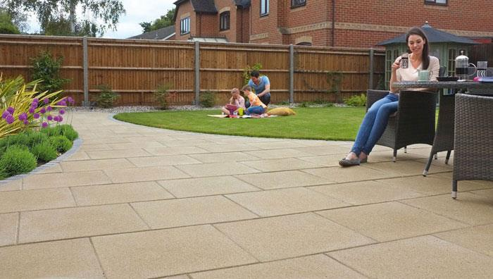 Perfecta Smooth Garden Paving