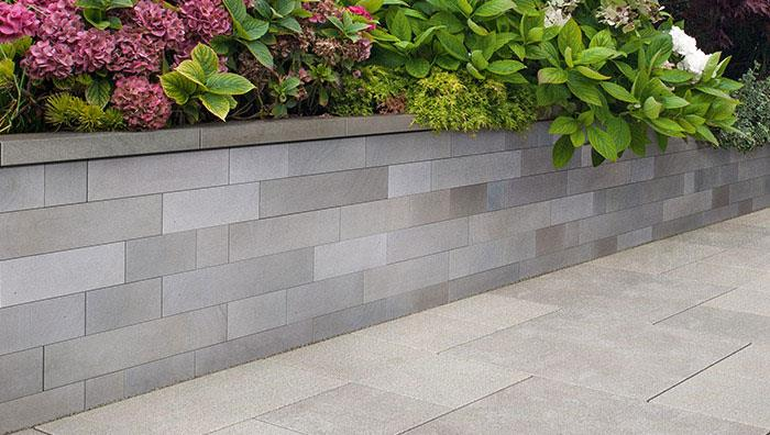 Sawn Veneer Walling, Silver Multi. Coping Sawn Versuro, Silver Multi, Paving Eclipse Granite Light