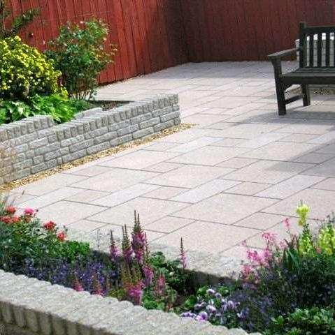 Steven ogg landscape design marshalls accredited uk for Domestic garden ideas
