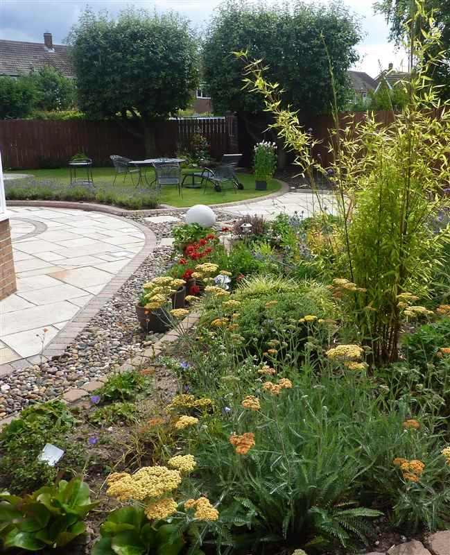Creative paving leisure marshalls accredited uk garden for Gardening qualifications